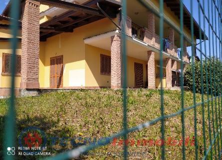 Appartamento Front foto 2