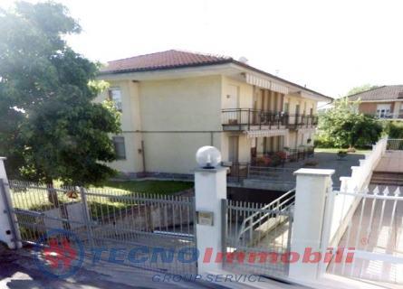 Appartamento Front foto 1