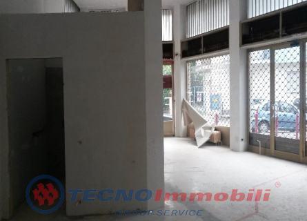 Locale commerciale Settimo Torinese foto 5