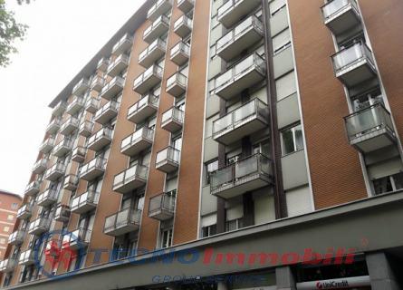 vendita appartamento torino  Corso Giovanni Agnelli ,118 127000 euro  3 locali  85 mq