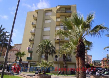 Appartamento in Vendita Piazza Valerga  Loano (Savona)