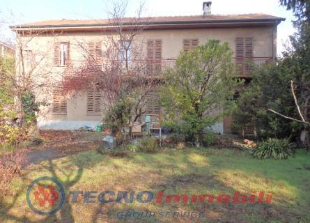 Vendita casa indipendente residenziale strada genova 123 for Piani di casa bungalow d epoca