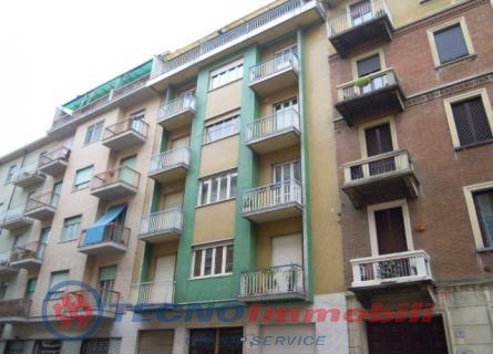 vendita appartamento torino  Via Trinita ,5 145000 euro  4 locali  80 mq