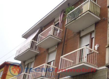 affitto appartamento torino  Via Lulli ,48 500 euro  4 locali  90 mq