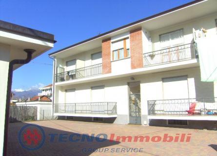 Appartamento in Affitto Ciriè, Via Corziatto