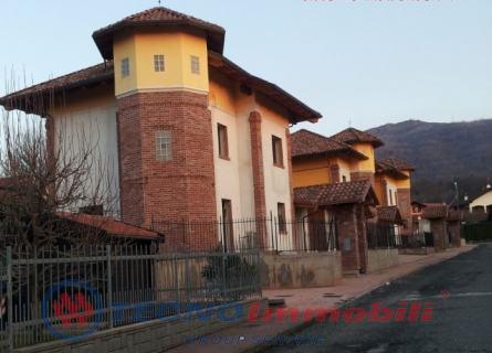 Villa in Affitto Via Xxv Aprile