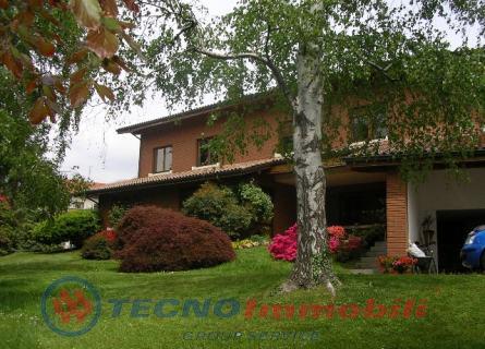 Villa in Vendita Lanzo Torinese, Regione Oviglia