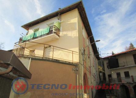 Appartamento in Vendita Front, Vicolo Castello