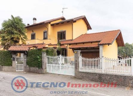Villa in Vendita Via Triveri  Ciriè (Torino)