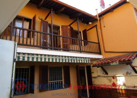 Villa in Affitto Via Monte Grappa