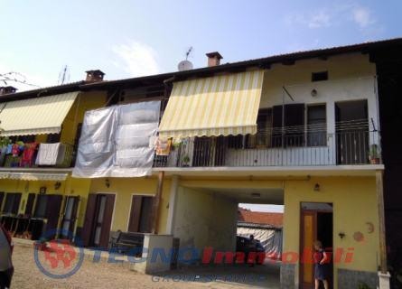 Casa semi-indipendente in Vendita Front, Via Cavour