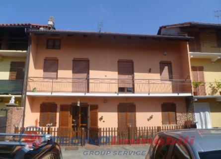 Casa indipendente in Vendita Via Umberto I  Ciconio (Torino)