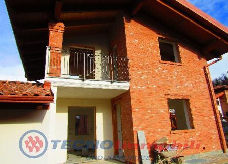 Villa in Vendita Lanzo Torinese, Frazione Cates