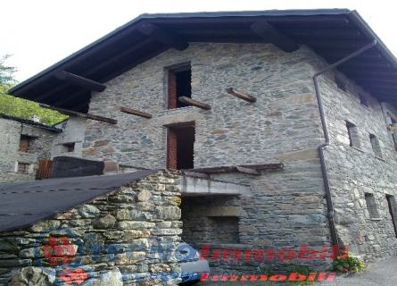 Casa semi-indipendente in Vendita Saint-marcel, Frazione Rean