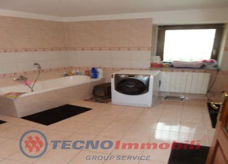 http://www.tecnoimmobiligroup.it/public/img/Img4_267201816574.jpg
