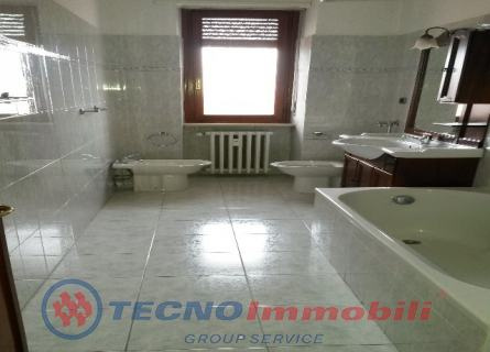 http://www.tecnoimmobiligroup.it/public/img/Img5_1222018161144.jpg