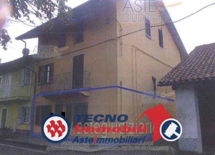 Appartamento in vendita a San Francesco al Campo, 3 locali, prezzo € 24.075 | PortaleAgenzieImmobiliari.it