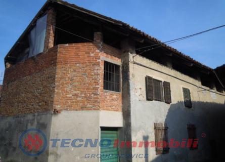 Rustico / Casale in vendita a Barbania, 10 locali, prezzo € 65.000 | Cambio Casa.it
