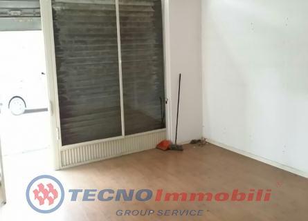 Negozio / Locale in affitto a Ciriè, 2 locali, prezzo € 500 | Cambio Casa.it