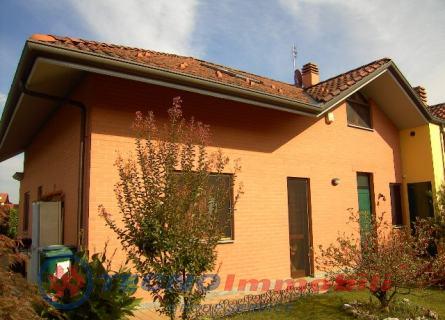 Villa a Schiera in vendita a San Maurizio Canavese, 8 locali, prezzo € 360.000 | Cambio Casa.it