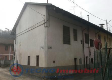 Rustico / Casale in vendita a Front, 4 locali, prezzo € 39.000 | Cambio Casa.it