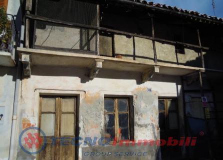 Rustico / Casale in vendita a Fiano, 5 locali, prezzo € 15.000   PortaleAgenzieImmobiliari.it