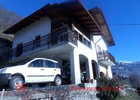 Villa in Vendita Aosta, Via Delle Betulle