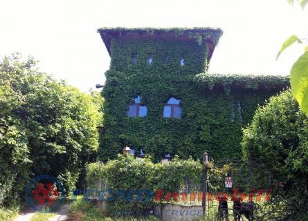 Attività / Licenza in vendita a Brusasco, 10 locali, prezzo € 550.000 | Cambio Casa.it
