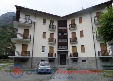 Appartamento in vendita a Valpelline, 3 locali, prezzo € 100.000 | PortaleAgenzieImmobiliari.it