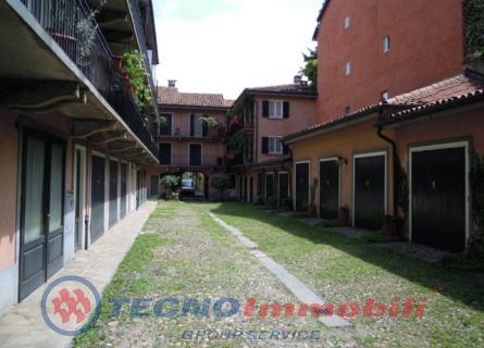 Bilocale Torino Via Della Rocca 3