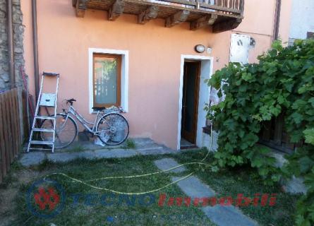 Appartamento in vendita a Nus, 3 locali, prezzo € 110.000 | Cambio Casa.it