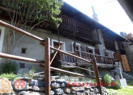 Rustico / Casale in vendita a Cogne, 8 locali, prezzo € 240.000 | PortaleAgenzieImmobiliari.it