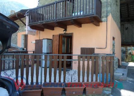 Appartamento in vendita a Valpelline, 4 locali, prezzo € 118.000 | Cambio Casa.it