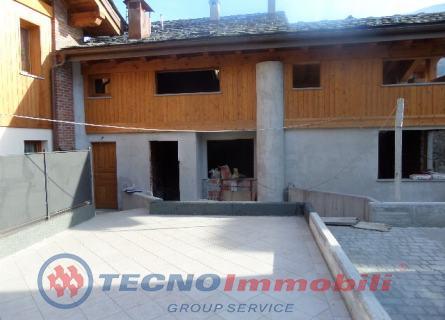 Appartamento in vendita a Nus, 4 locali, prezzo € 179.000 | Cambio Casa.it