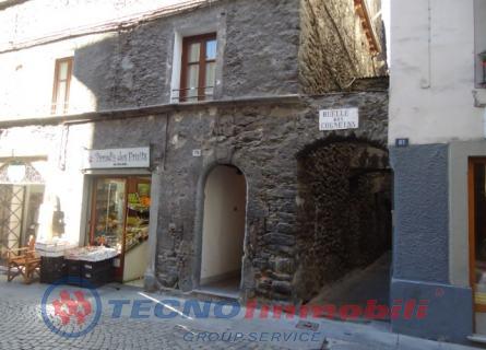 Appartamento in vendita a Aosta, 2 locali, prezzo € 79.000 | Cambio Casa.it