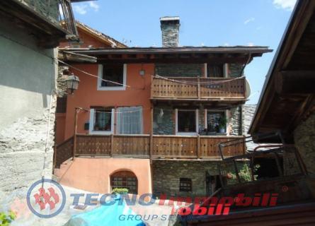 Appartamento in vendita a Nus, 3 locali, prezzo € 193.000 | Cambio Casa.it
