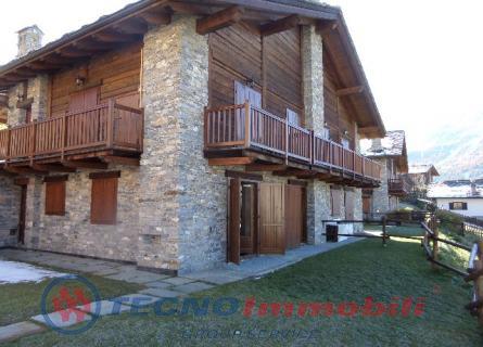 Appartamento in vendita a Cogne, 4 locali, prezzo € 220.000 | PortaleAgenzieImmobiliari.it