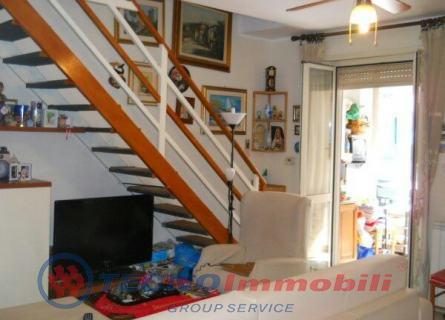 Appartamento in vendita a Torino, 5 locali, prezzo € 185.000 | Cambiocasa.it