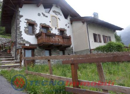 Bilocale Saint Denis Frazione Goillaz 1