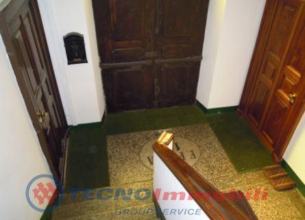Bilocale Torino Via Santorre Di Santarosa 9
