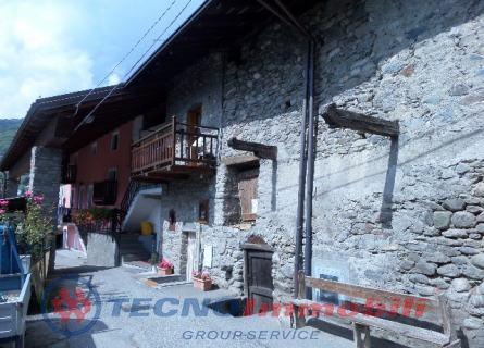 Appartamento in Vendita Aosta, Frazione . Papet