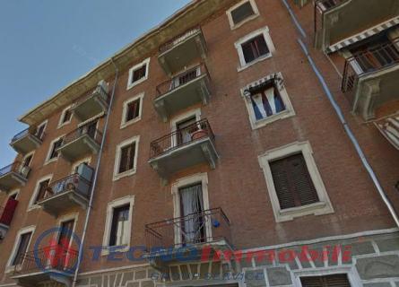 Bilocale Torino Via Modena 1