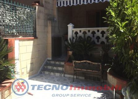 Appartamento in vendita a Maruggio, 4 locali, prezzo € 110.000 | Cambio Casa.it