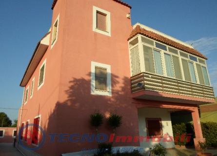 Appartamento in vendita a Manduria, 10 locali, prezzo € 250.000 | Cambio Casa.it