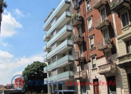 Appartamento in vendita a Torino, 4 locali, prezzo € 135.000 | Cambiocasa.it