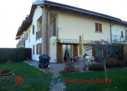 Villa a Schiera in Vendita a San Francesco al Campo