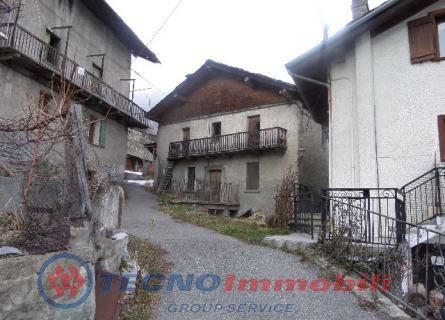 Rustico / Casale in vendita a Saint-Pierre, 10 locali, prezzo € 160.000   PortaleAgenzieImmobiliari.it