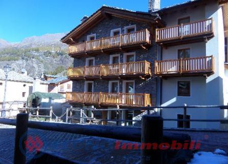 Appartamento in vendita a Cogne, 4 locali, prezzo € 470.000 | PortaleAgenzieImmobiliari.it