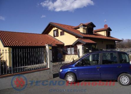 Villa - San Carlo Canavese (TO)