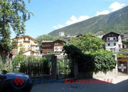 Appartamento in vendita a Aymavilles, 4 locali, prezzo € 115.000 | Cambio Casa.it